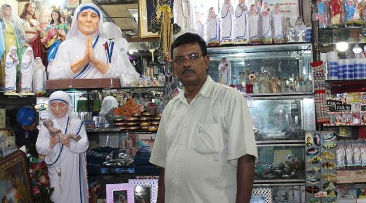 mother-souvenir-shop-nurul-islam